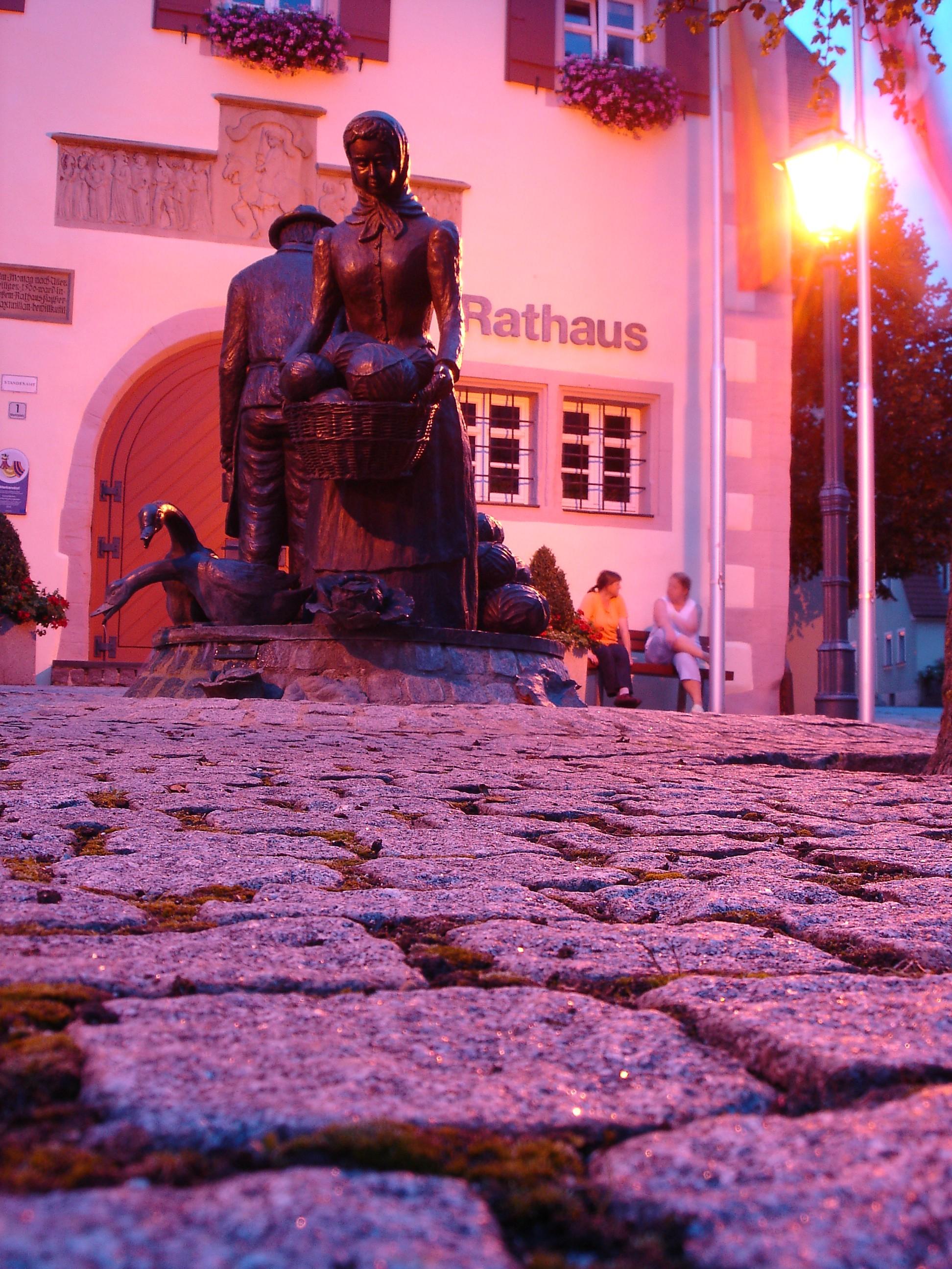 Kautbrunnen bei Nacht