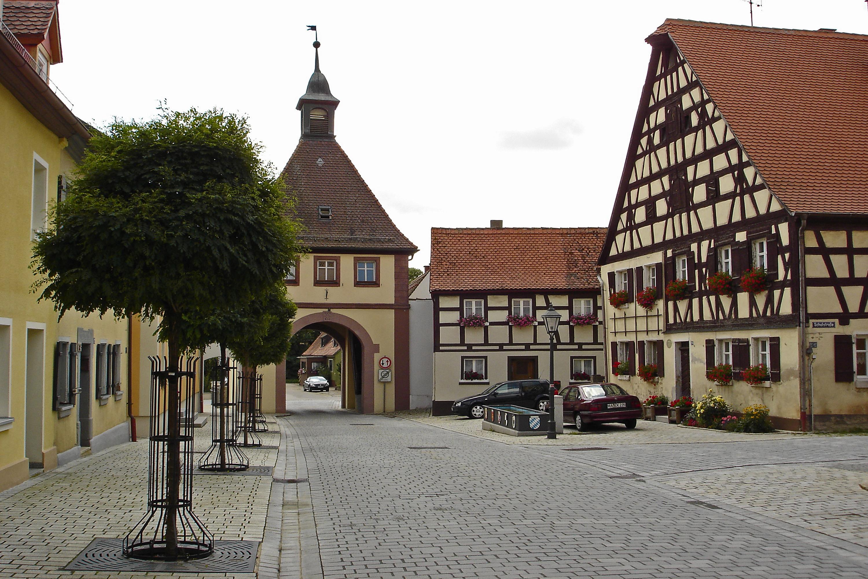 Baderhaus mit Brunnen