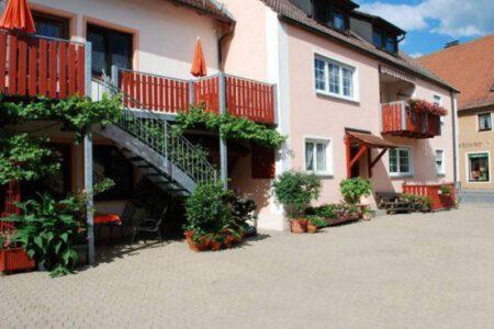 Ferienhaus Teubner Hofseite