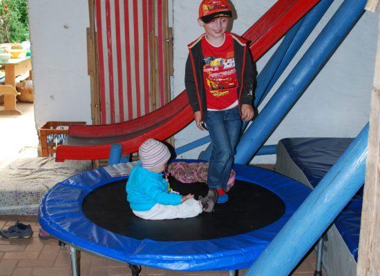 Trampolin in Spielscheune